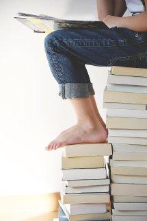 books-1841116_1920
